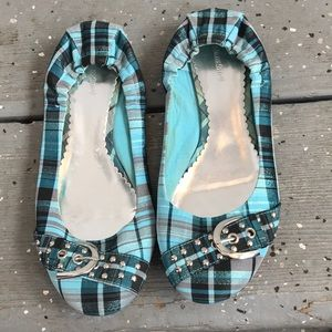 Adorable slip on shoes